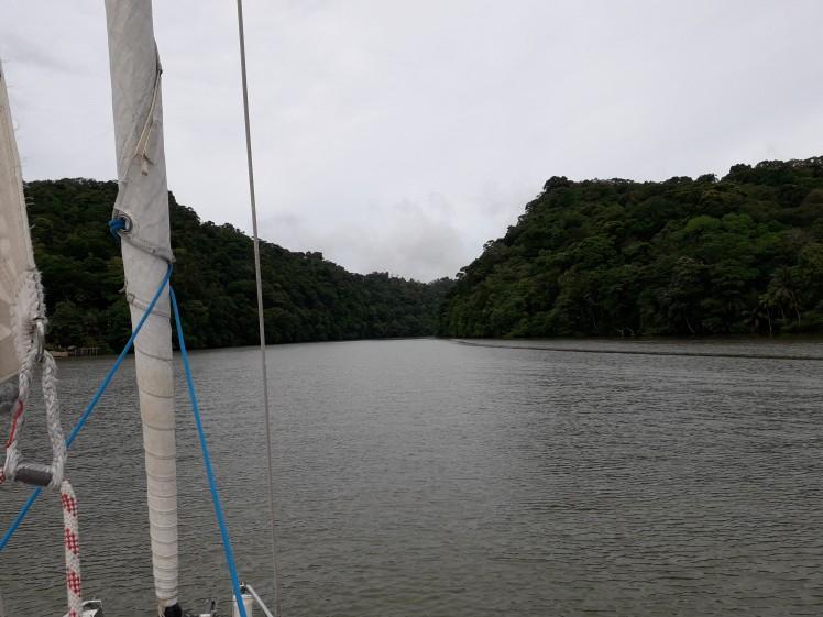 Inn i Rio Dulce